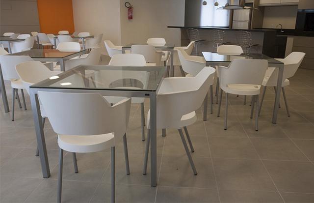 Mesas e cadeiras para salão de festas: faça a escolha certa