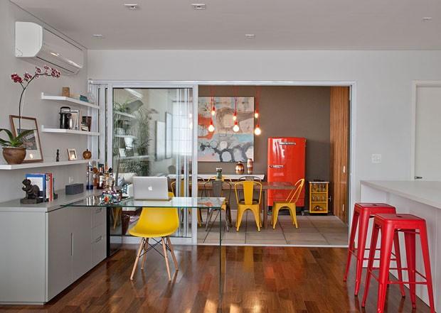 Projetos personalizados: cadeira Caribe e banqueta Viena