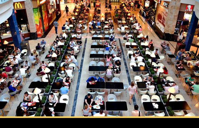 Quais experiências os clientes buscam em franquias de alimentação?