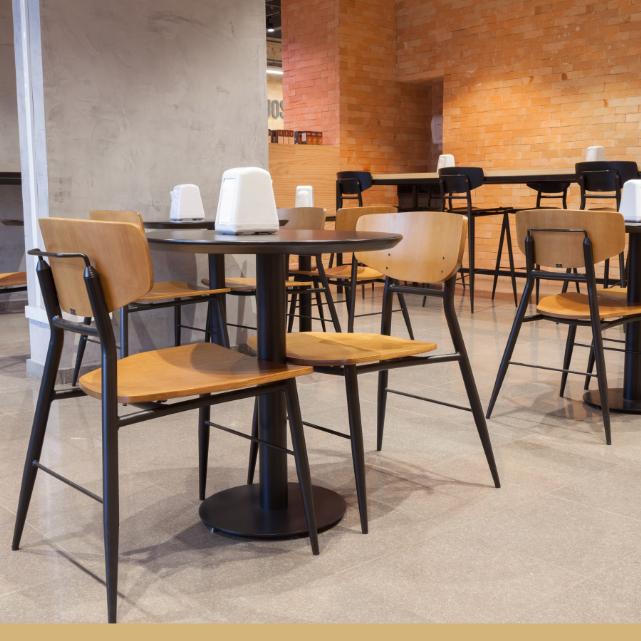 Móveis para restaurante: saiba quando renovar sua mobília